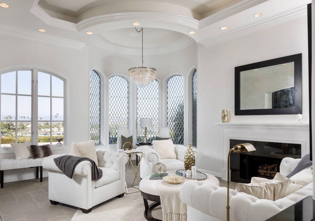 Elegant White Transitional Living Room Decor Transitional Decor Living Room White Living Room Decor Transitional Living Rooms #transitional #living #room #furniture