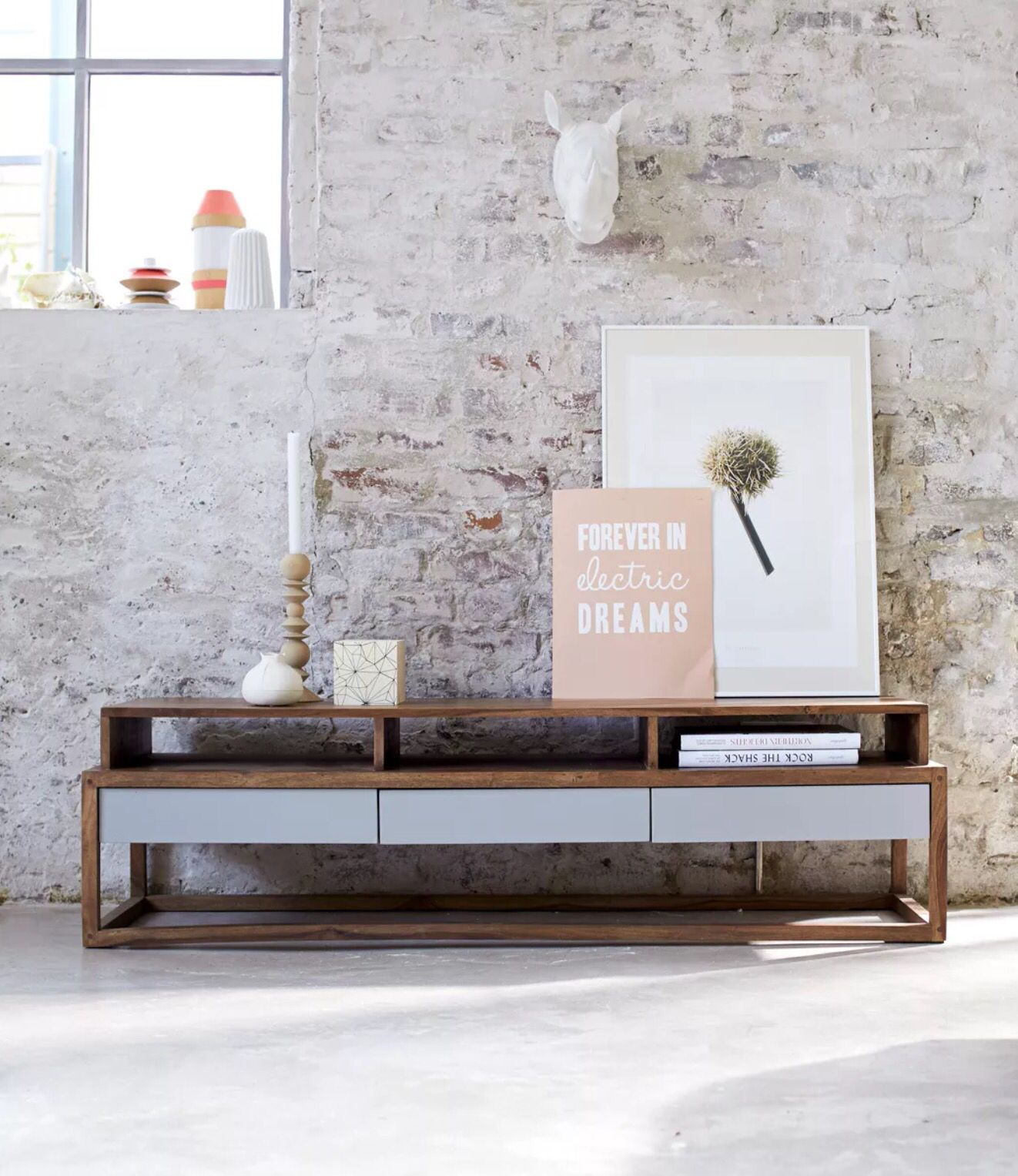 Table Tele Mural Palissandre - Media Good Diy Potential F U R N I C O N S O L E Pinterest [mjhdah]http://media.massivum.fr/image/Meuble-TV-COUNTRY-en-palissandre-massif-laque-miel-10017395a.jpg