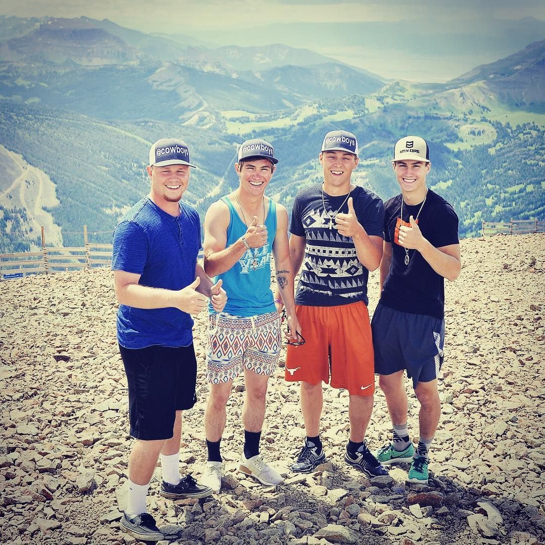Instagramjess lockwood and his brothers out hiking in