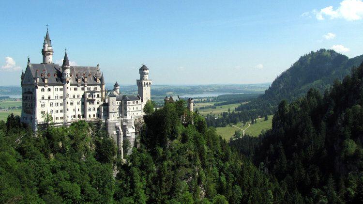 2020 Public Transportation To Schloss Neuschwanstein Castle Neuschwanstein Castle Schloss Neuschwanstein Travel Through Europe
