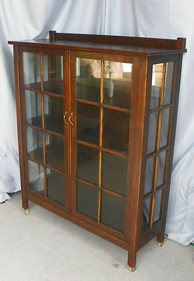 Antique Mission Oak Curio China Cabinet Arts And Crafts Style China Cabinet Arts And Crafts Furniture Craftsman Dining Tables