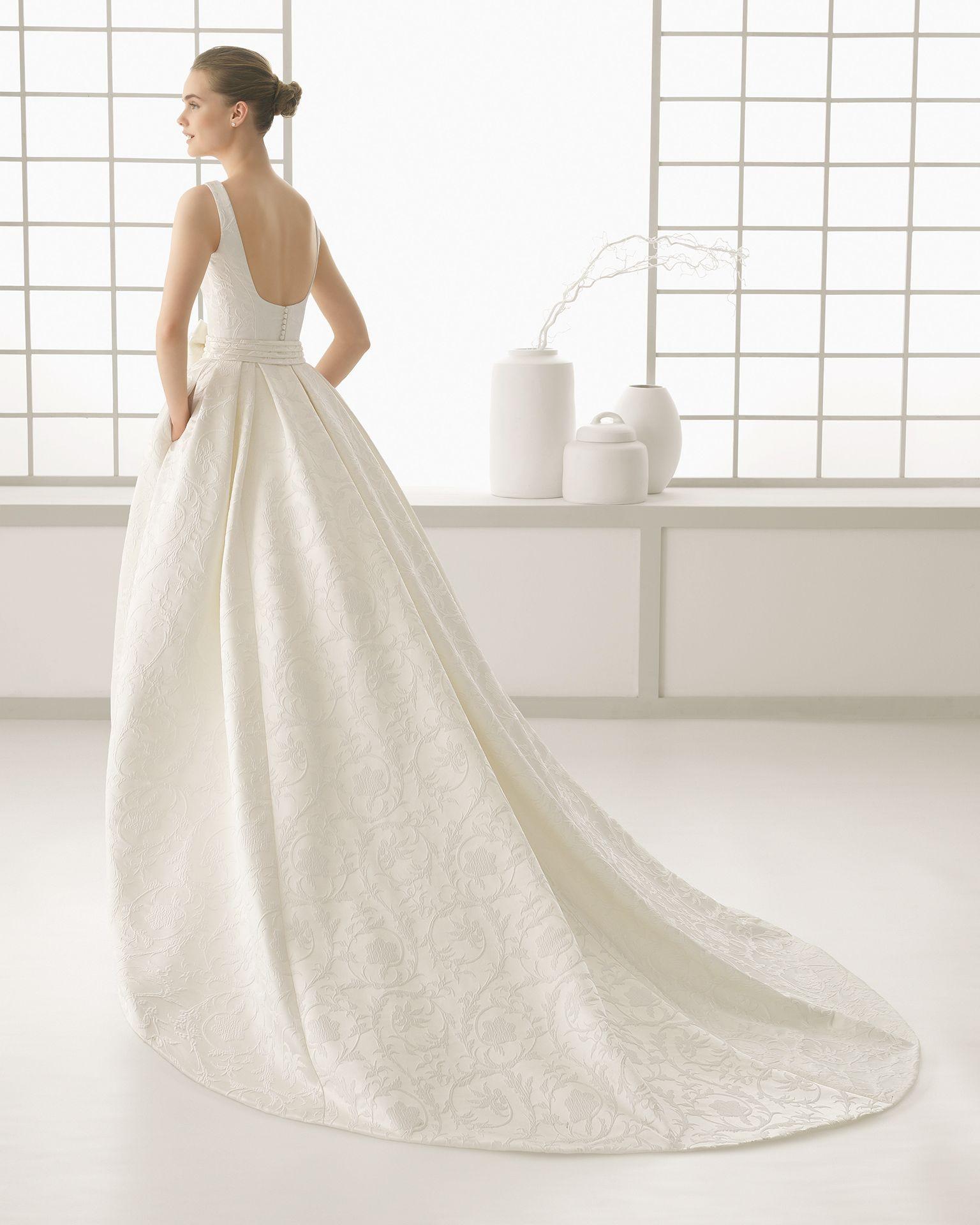 DIAMANTE vestido de novia de brocado.