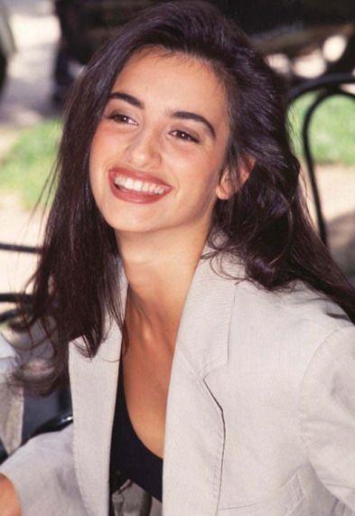 Penelope Cruz, 1993 | char Photo | Penelope cruz makeup ...