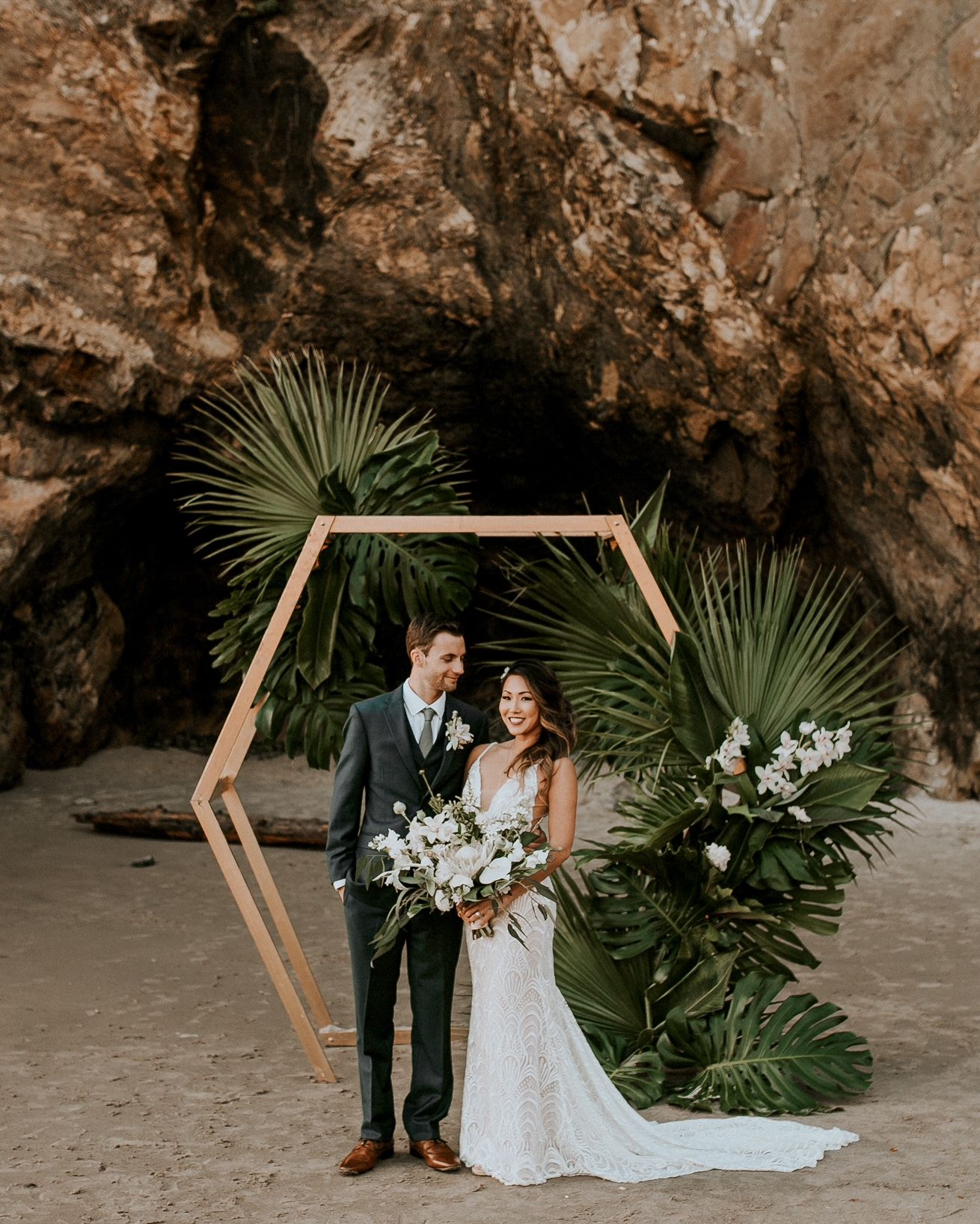 Real Wedding: Keani + Jason :: Lush Oregon Coast Wedding