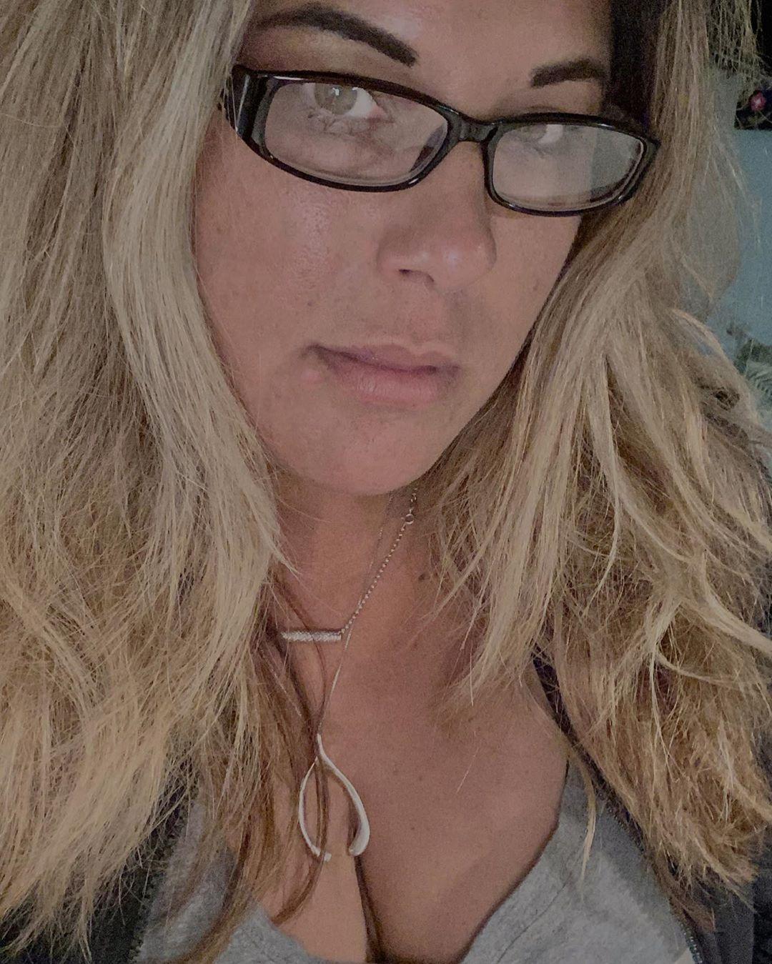 Rain, rain, go away, I need to walk out on the beach and lay.....summer, wait, please, come back.....😥 #juliethrewtheglass #summer #dontleaveme #comeback #rainraingoaway #beachtime #bringbacksummer #wheresmine #endlesssummer #please #stuckinside #newglasses #bifocals #saywhat #heyoldlady @juliethrewtheglass #instaselfie #myshot