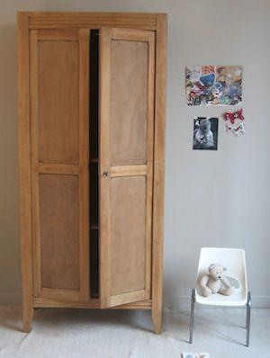 armoire parisienne armoires mobilier et bureau. Black Bedroom Furniture Sets. Home Design Ideas