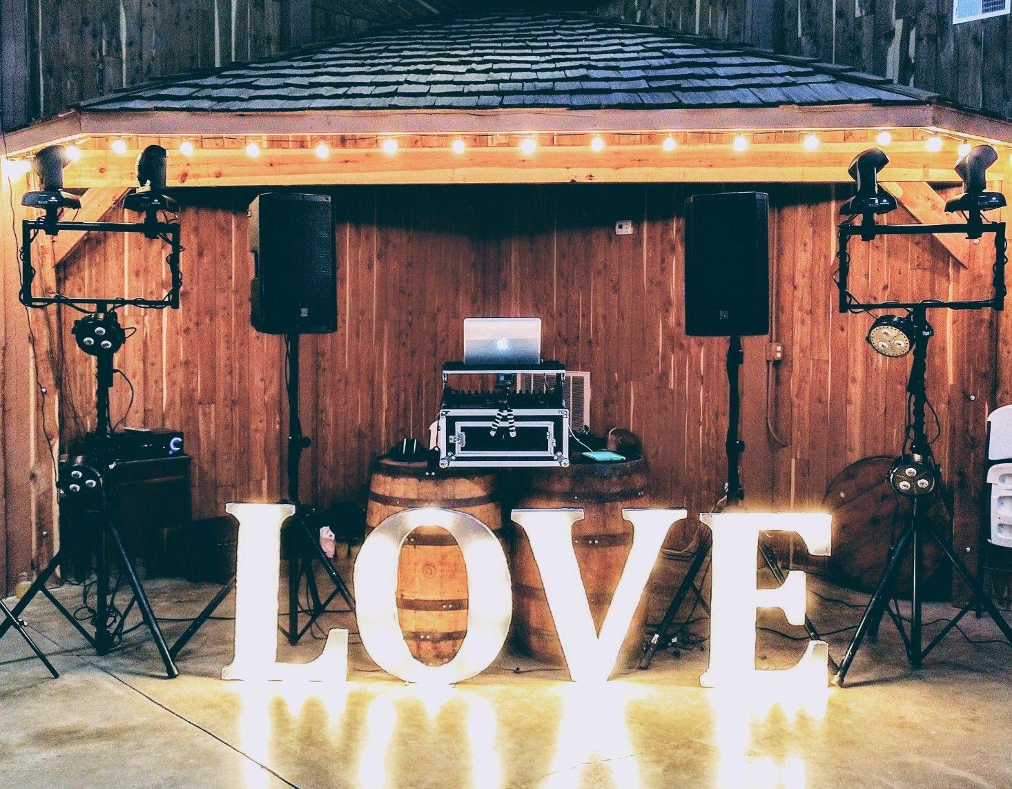 #Rustic #wedding #dj setup @LittlePineyLodge near #Hermann #MO.   #DJNoji #WeddingDJ