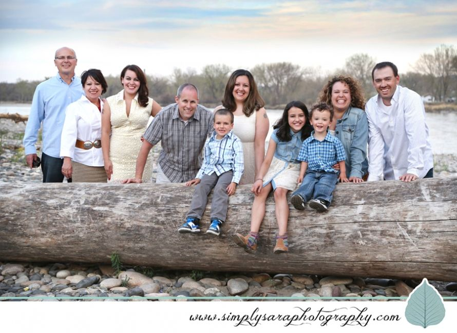 Family Photo Ideas Large Group Outdoors Large Family Photos