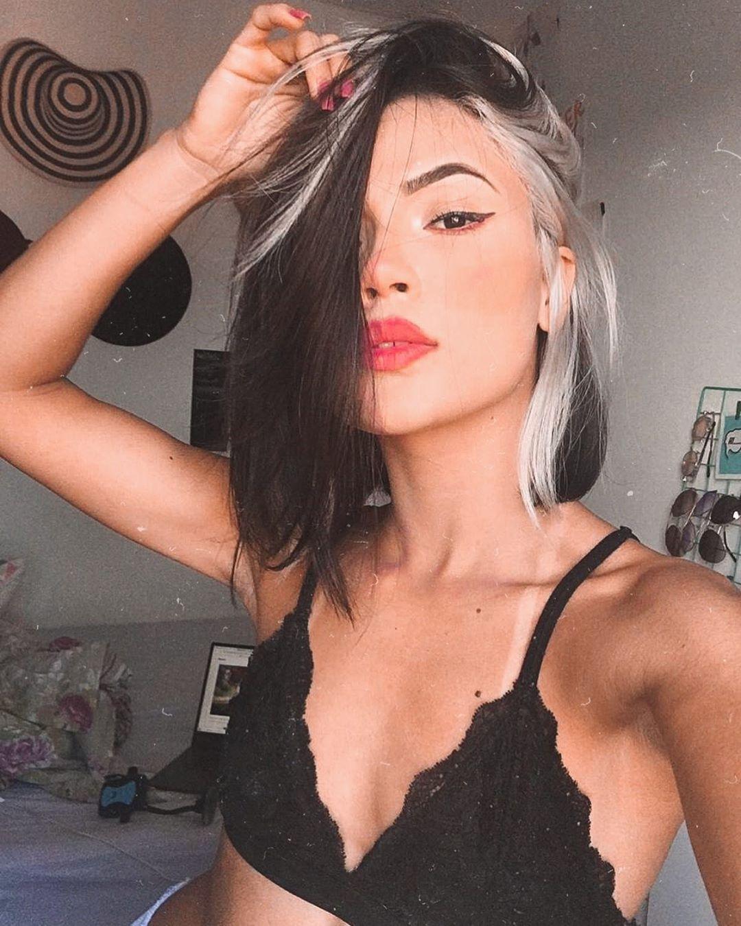 Mecha branca no cabelo: fotos e tutoriais para ado