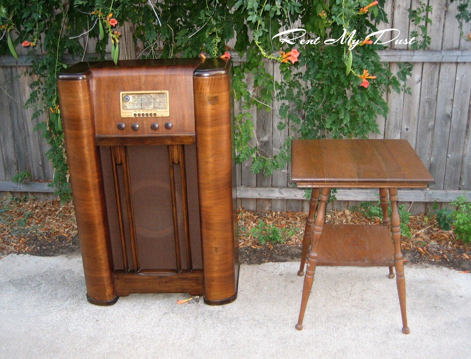 Gold - Lounge Areas - RENT MY DUST Vintage Rentals Dallas Texas
