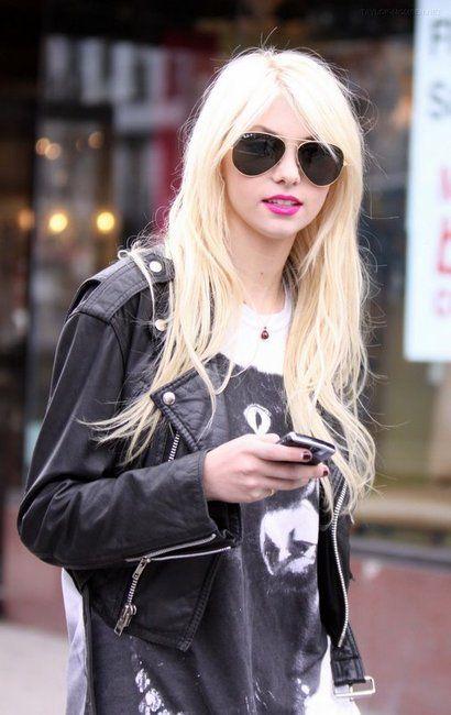 Taylor Momsen. Love her!!