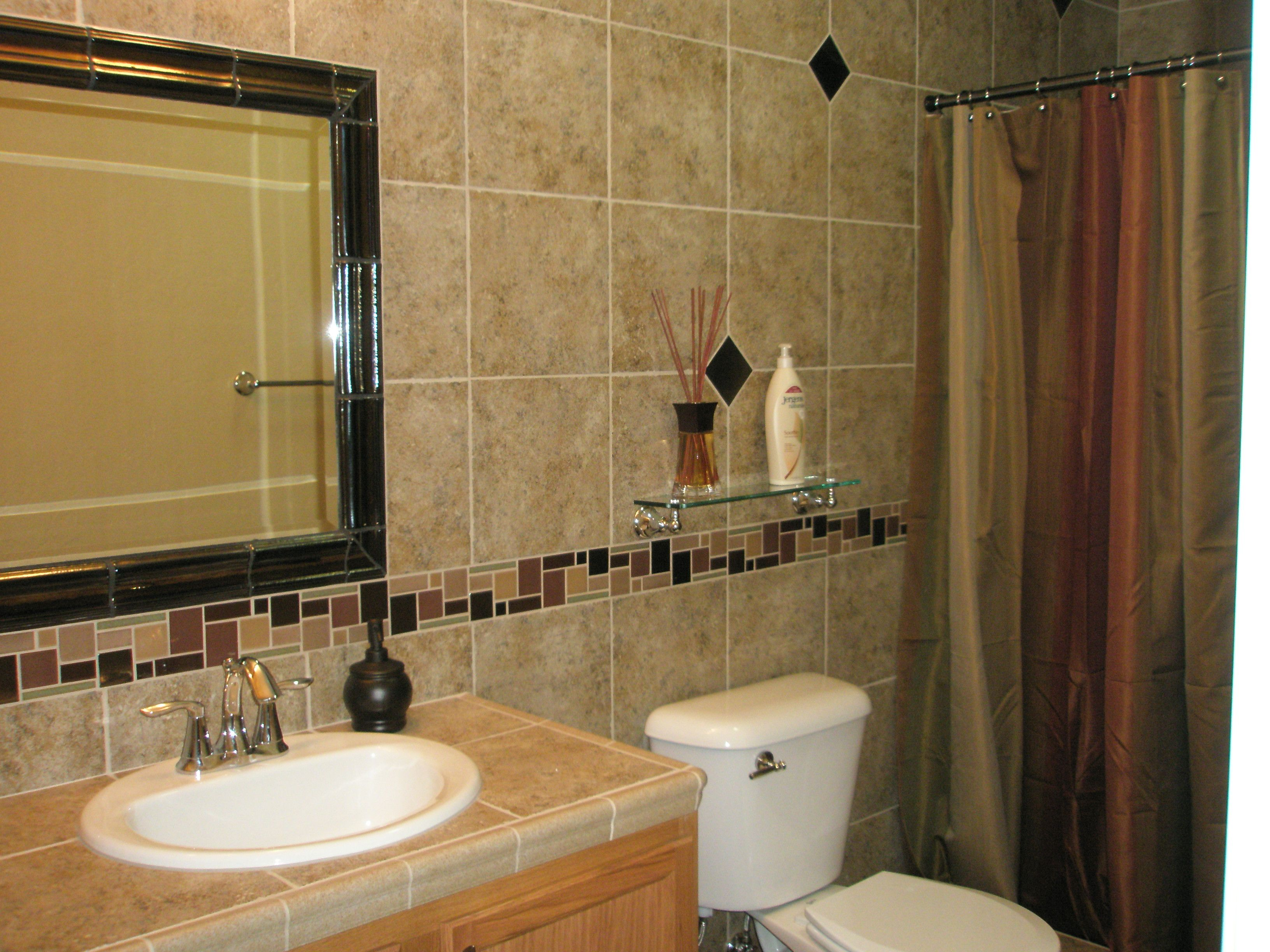 Bathroom Wall Installed With Ceramic Tile Glass Accent Bordering