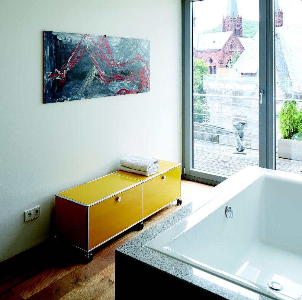meuble bas usm haller coloris jaune pour apporter de la couleur dans la salle de bain usm. Black Bedroom Furniture Sets. Home Design Ideas