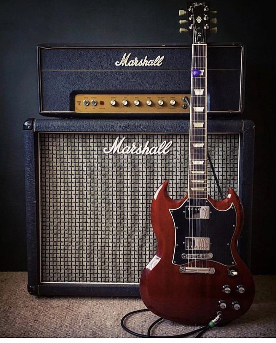 Gibson Sg Guitar Acdc Style With Marshall 100w Head 1 X12