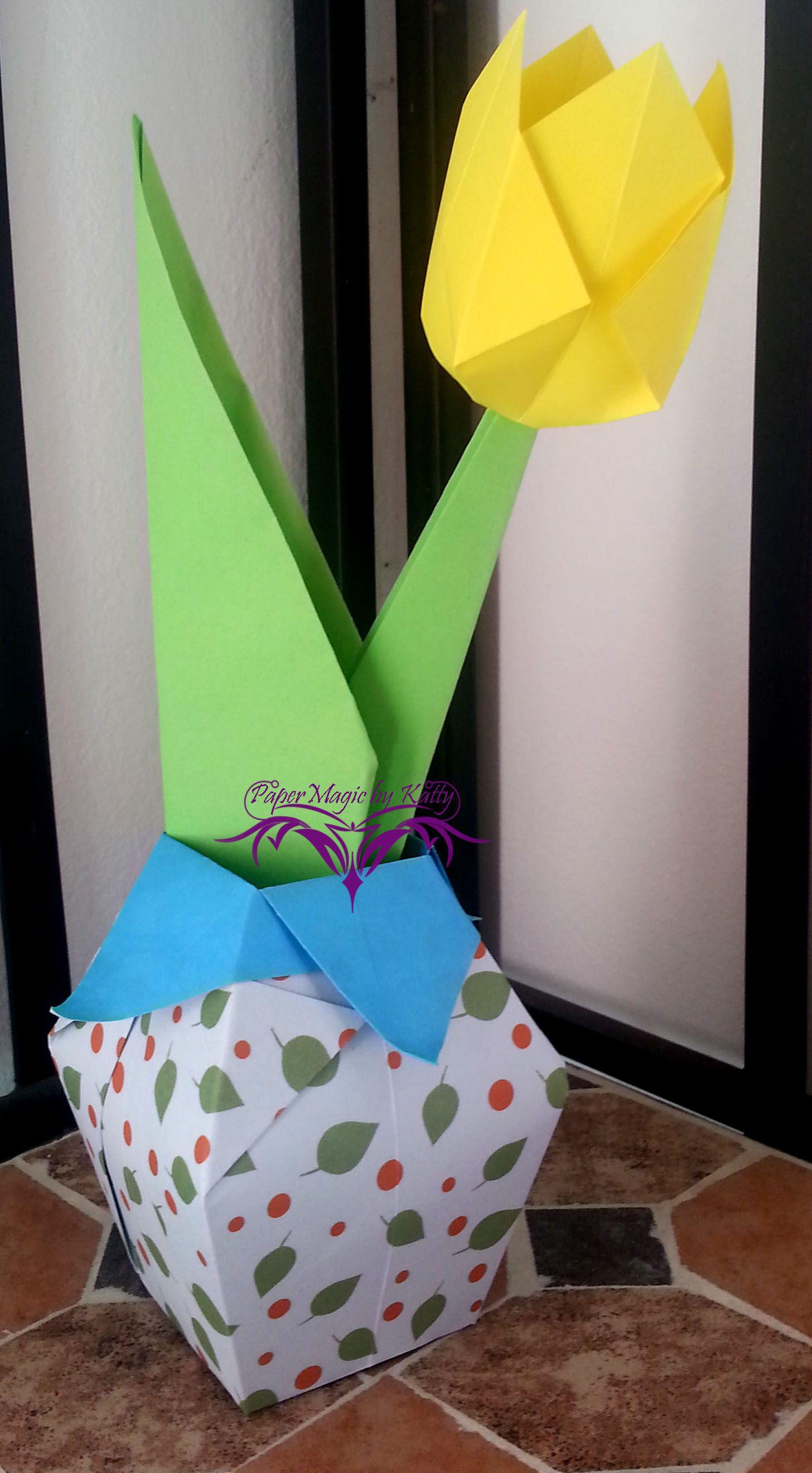 origami vase and tulip