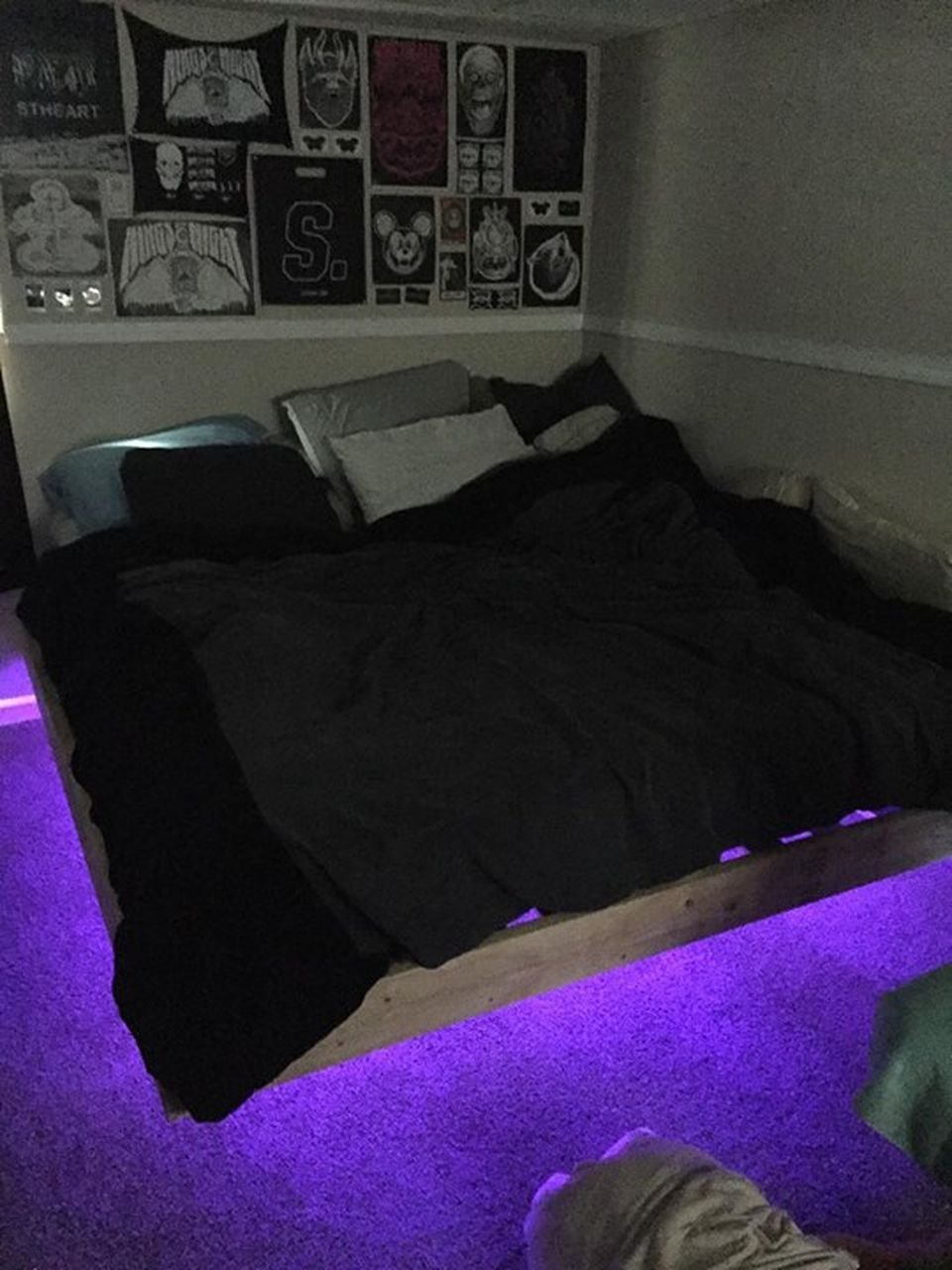 Amazing Modern Floating Bed Design With Under Light Floating Bed Bed With Led Lights Floating Bed Frame