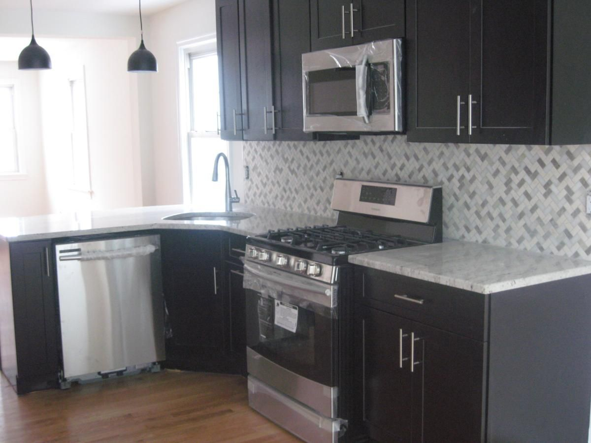 52 Yahara Avenue Rutherford Nj 07070 Hotpads Rutherford Hot Pads Kitchen Cabinets
