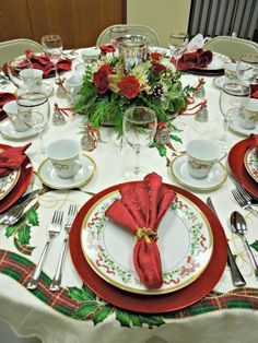 One Of My Favorite Christmas China Patterns The Word Made Flesh Is. Christmas Table Setting ... & Wonderful Setting Christmas Table Ideas Pictures - Best Image Engine ...