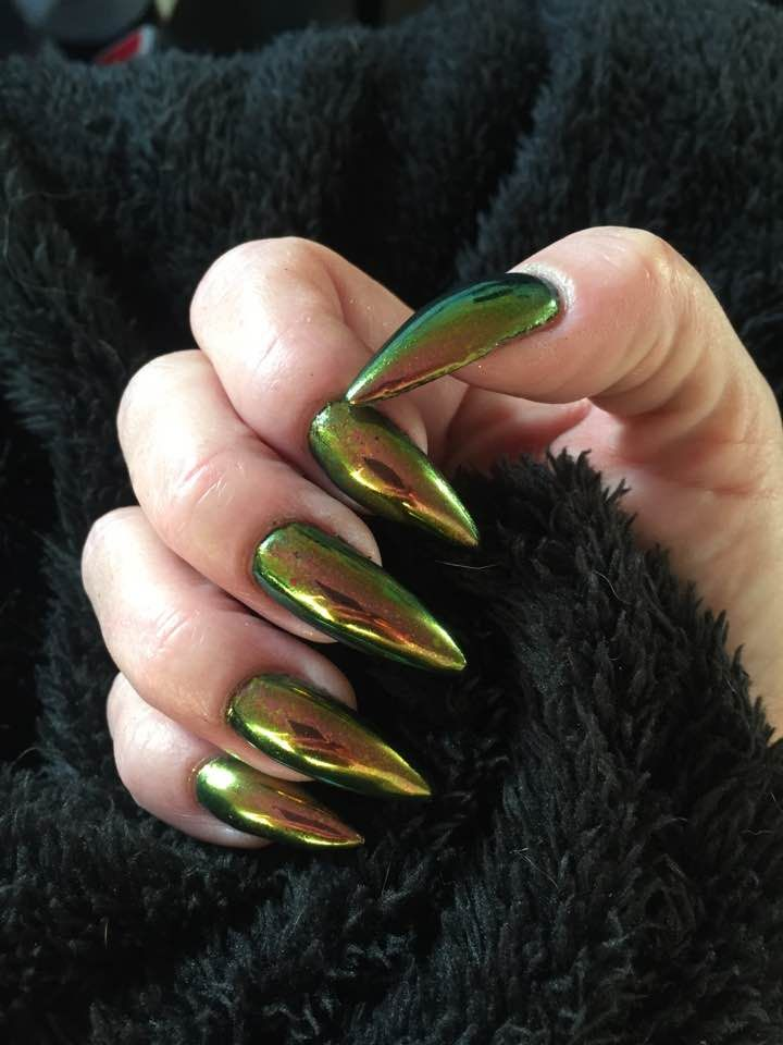 Nail pigment chameleon, a new nail pigment easy to use and looks ...