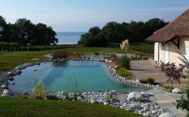Faire appel à un paysagiste pour construire sa piscine