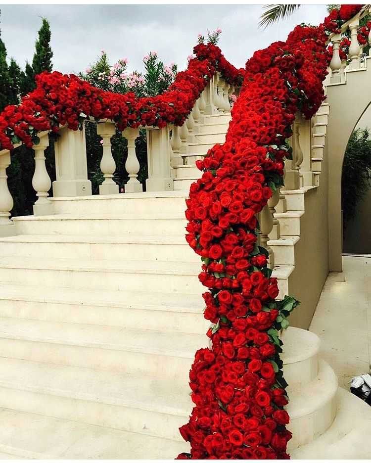 Wedding Flower Decoration Photos: Stunning Floral Wedding Staircase Decor With Red Roses