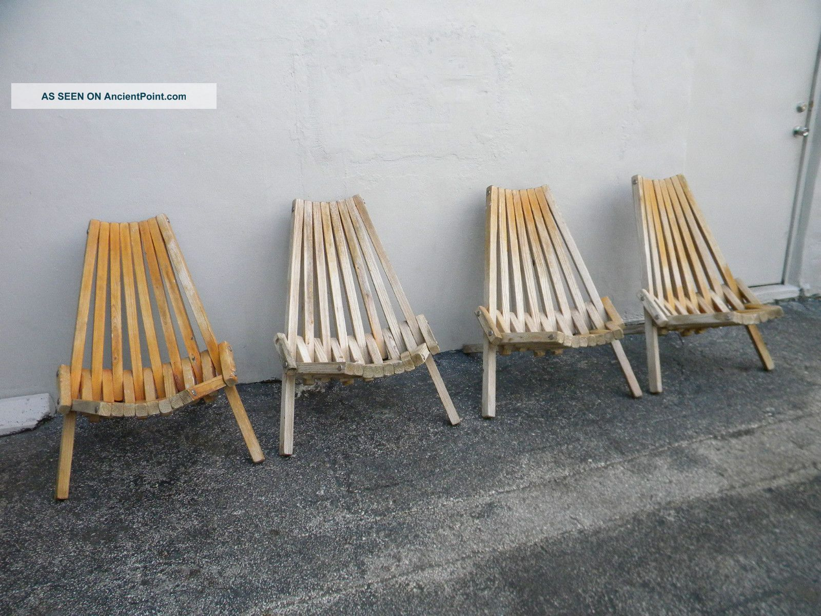 Wood folding chair outdoor - Set Of Four Mid Century Wooden Folding Chairs 2246 Post 1950 Photo