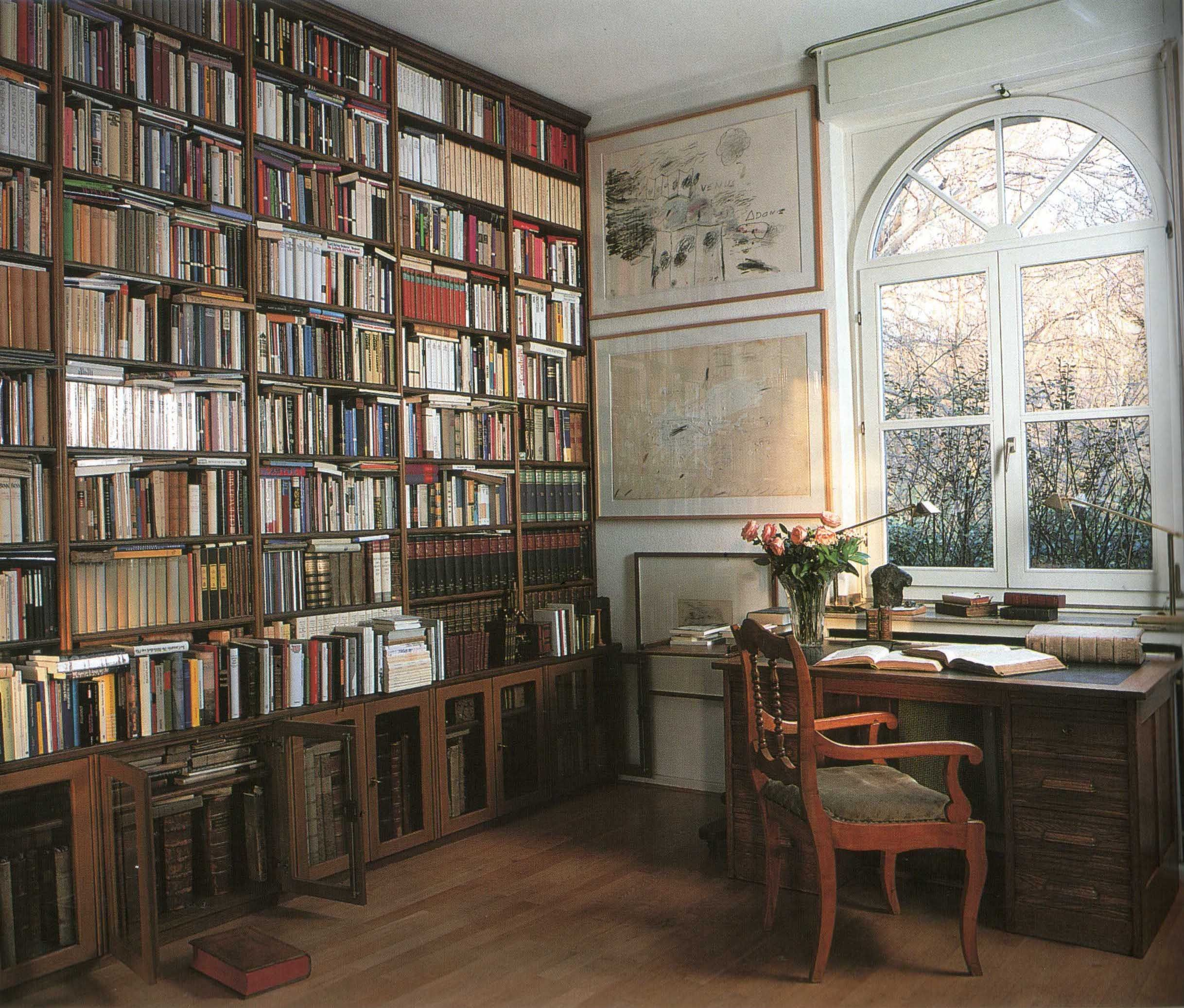 Study / home office   maybe not with the books all the way to the ...