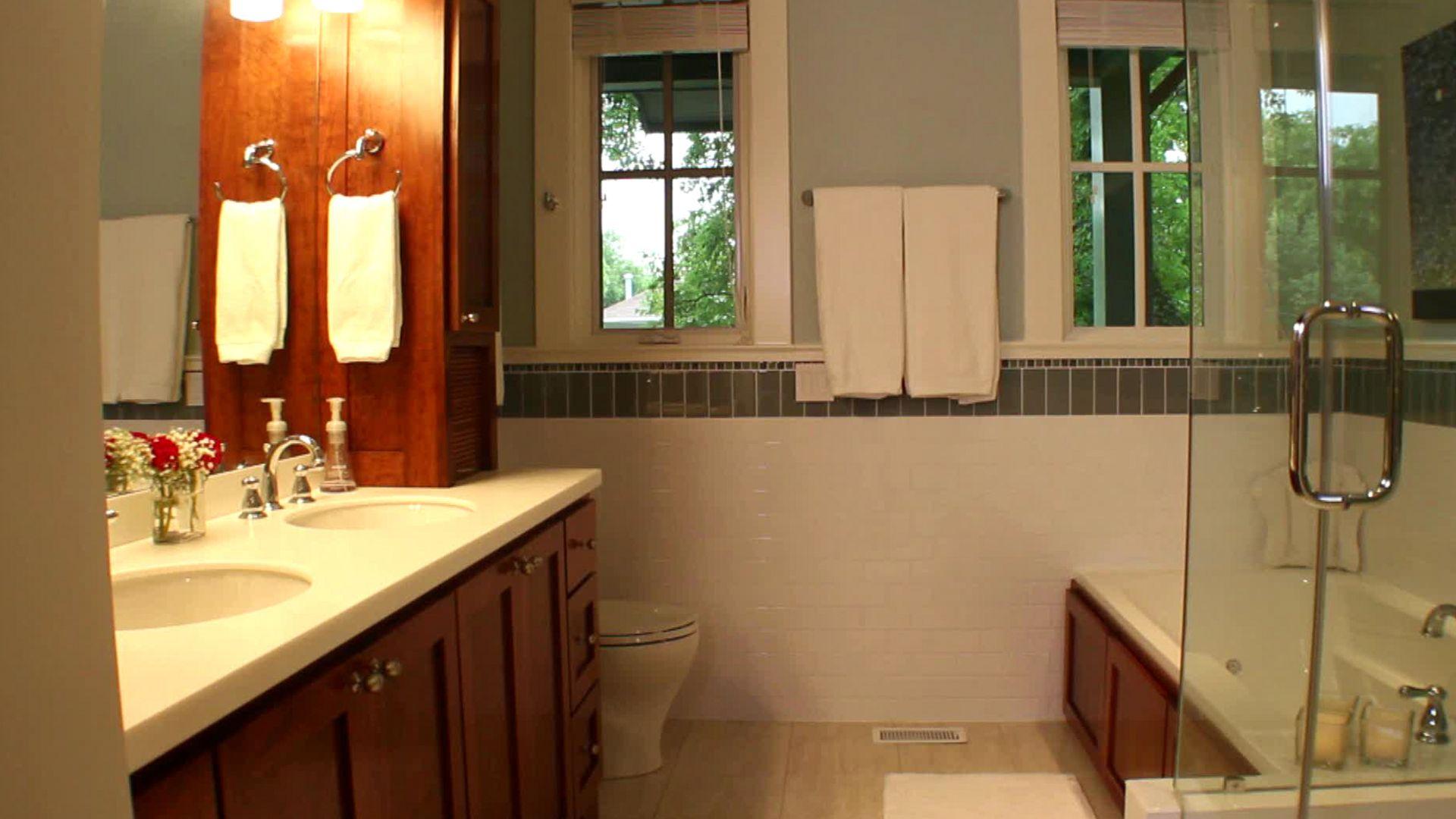 günstige badezimmer dekorieren ideen  die übergroßen