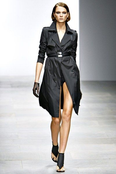See the complete Marios Schwab Spring 2012 Ready-to-Wear collection.