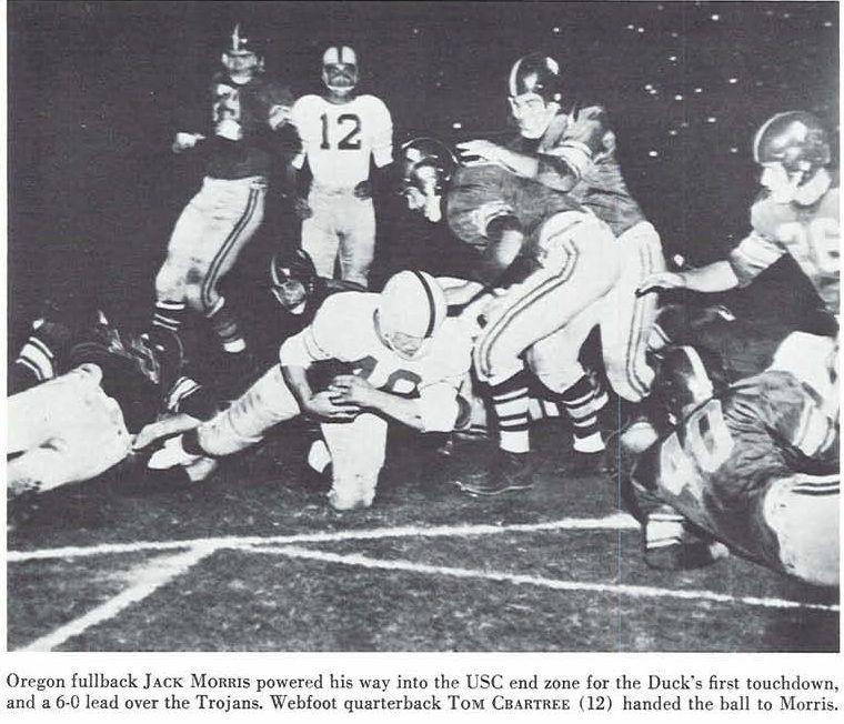 Oregon Usc 1955 Football Game Jack Morris Scores A Touchdown From The 1956 Oregana University Of Oregon Yearbook Www Campusatt University Of Oregon College Football Oregon Ducks