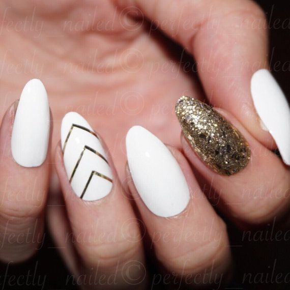 White And Gold Handpainted False Nails Fake Nails Press On Nails Stick On Nails Stick On Nails Gold Acrylic Nails Gold Nails
