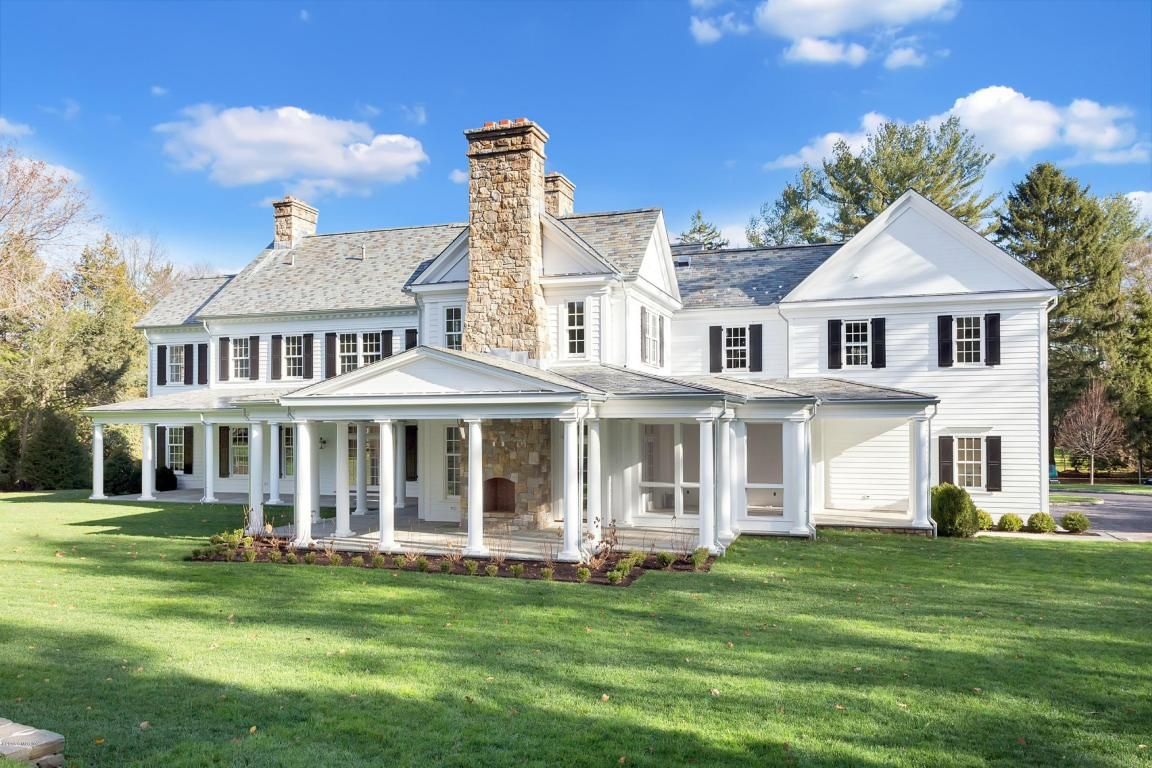 14 Rockwood Lane Greenwich Ct 06830 David Ogilvy Associates For Greenwich Real Estate Real Estate Houses Estate Homes Luxury Real Estate