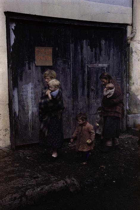 Inge Morath © The Inge Morath Foundation/Magnum. IRELAND. Killorglin, County Kerry. 1954. Puck Fair.