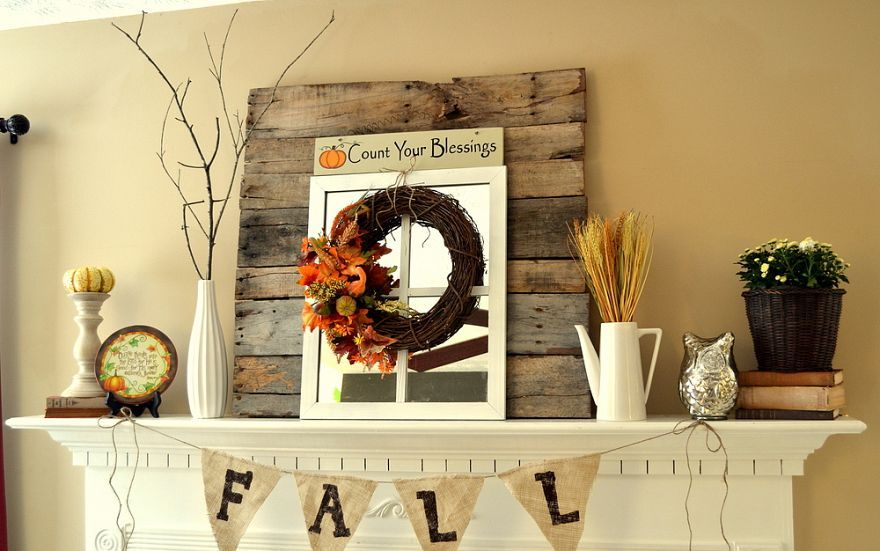 Fall mantel (with reclaimed pallet wood)