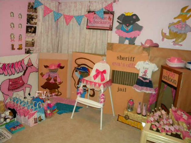 Facebook Superfan Suling Uses Personalized Birthday Party Supplies To Create Amazing Events And Is A True Hostess Hero She Went Above Beyond Planning