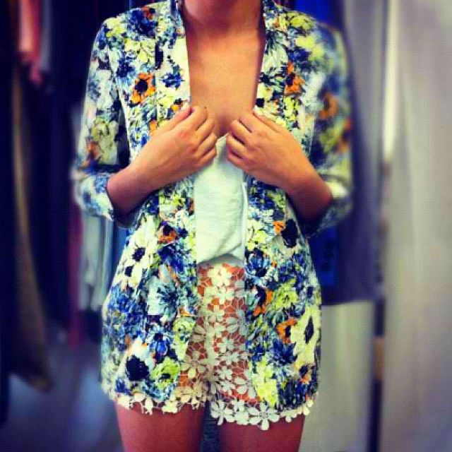 Obsessed. Floral blazer from #saboskirt