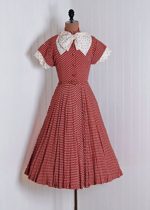1940s dress via Timeless Vixen Vintage