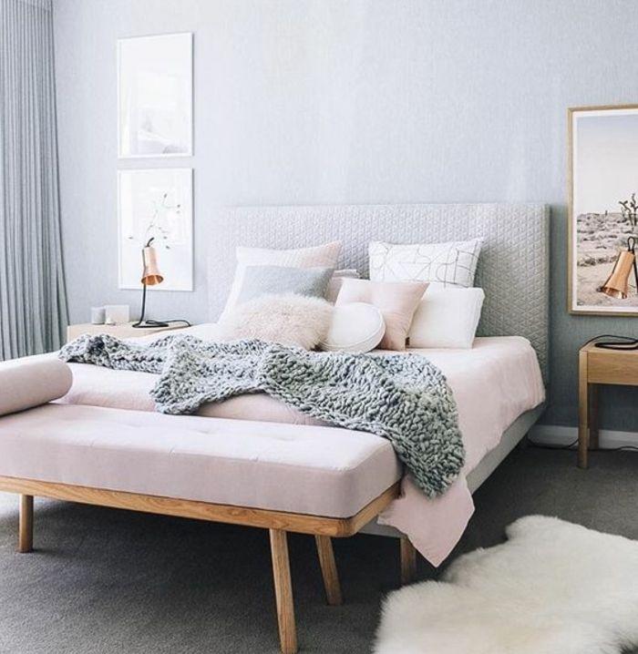 couleur mur gris clair, lit, rideaux et tapis gris, parure de lit ...