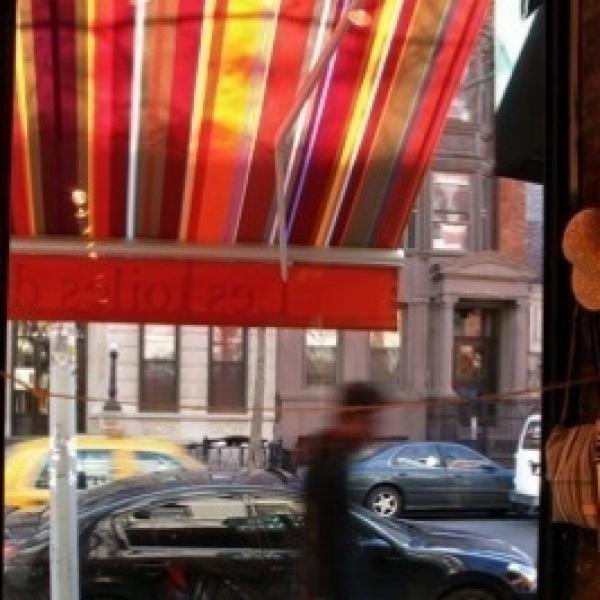 gestreepte acryl outdoor stof collioure van kleurmeester.nl 175 cm  ook 43 cm breed #stof #doehetzelf #zonnescherm #strepen #outdoor #tuin