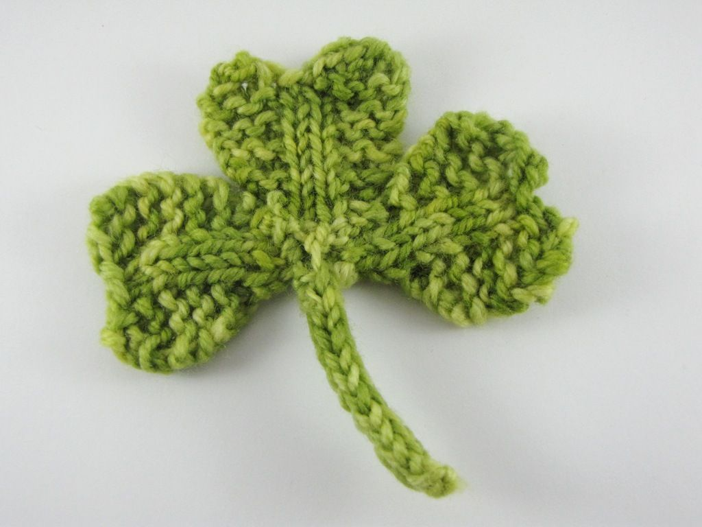 Shamrock / Clover Knitting Pattern for St Patrick\'s Day - Natural ...
