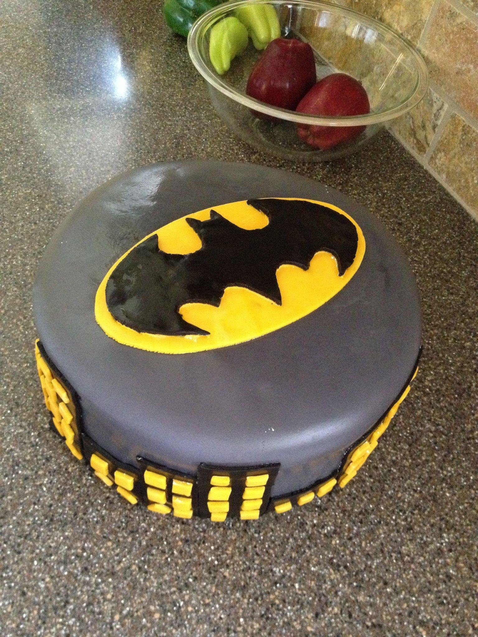 Batman birthday cake Very easy I made it Pinterest Batman