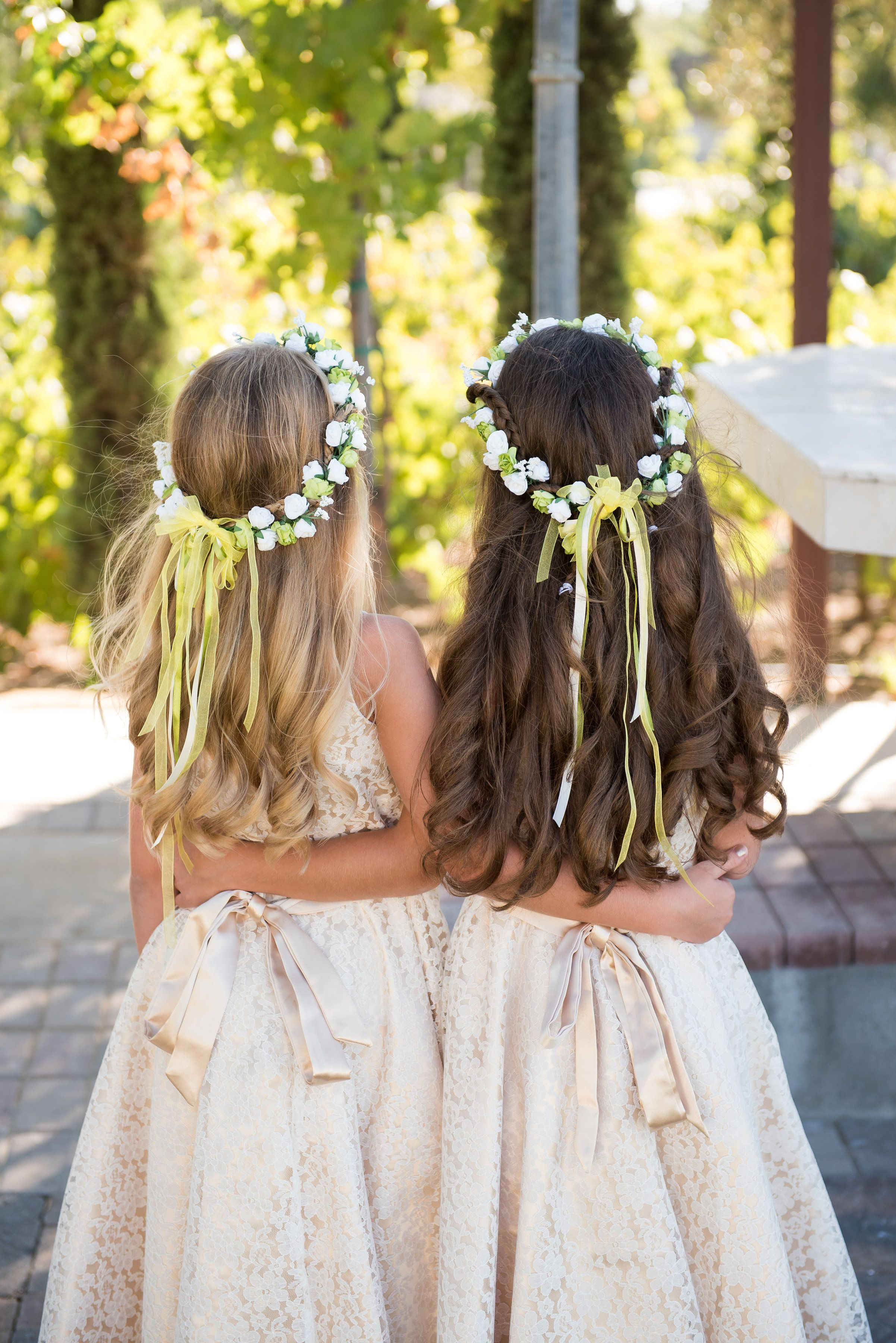 Adorable diy flower girl crown wreath make halo wreath by wrapping adorable diy flower girl crown wreath make halo wreath by wrapping floral wire with floral izmirmasajfo