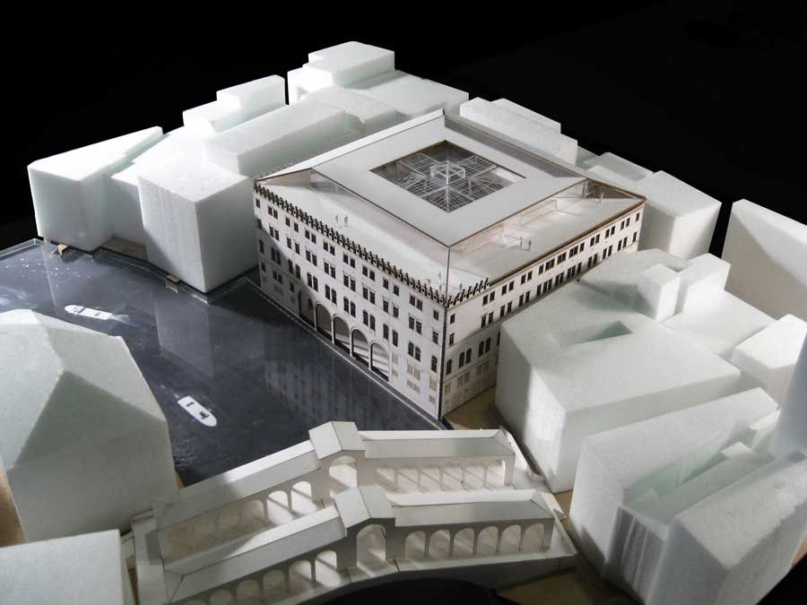 Model : Fondaco dei Tedeschi Restoration : Benetton Store Venice, Italy   Rem Koolhaas : OMA