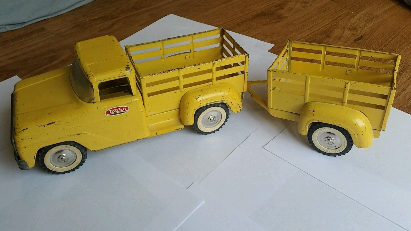 Vintage tonka toys 1960 yellow truck with trailer farm pressed steel pickup