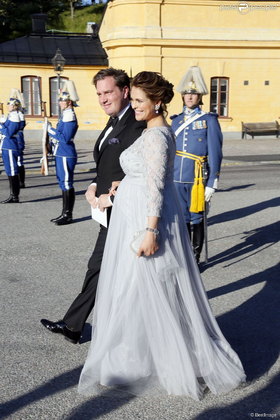 La princesse Madeleine de Suède, enceinte, son mari Christopher (Chris) O'Neill - Arrivées au...