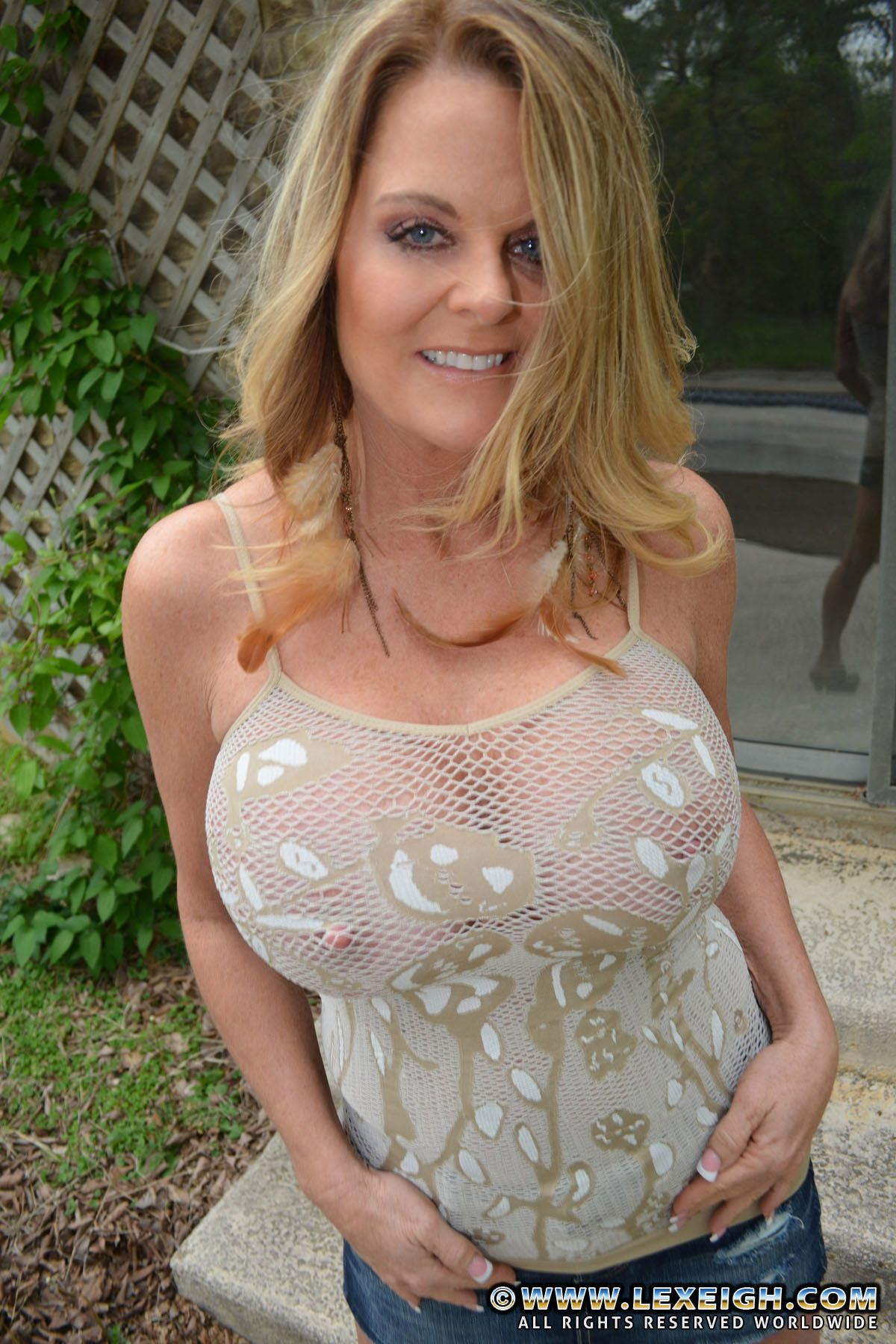 Milf in skirts gif right!