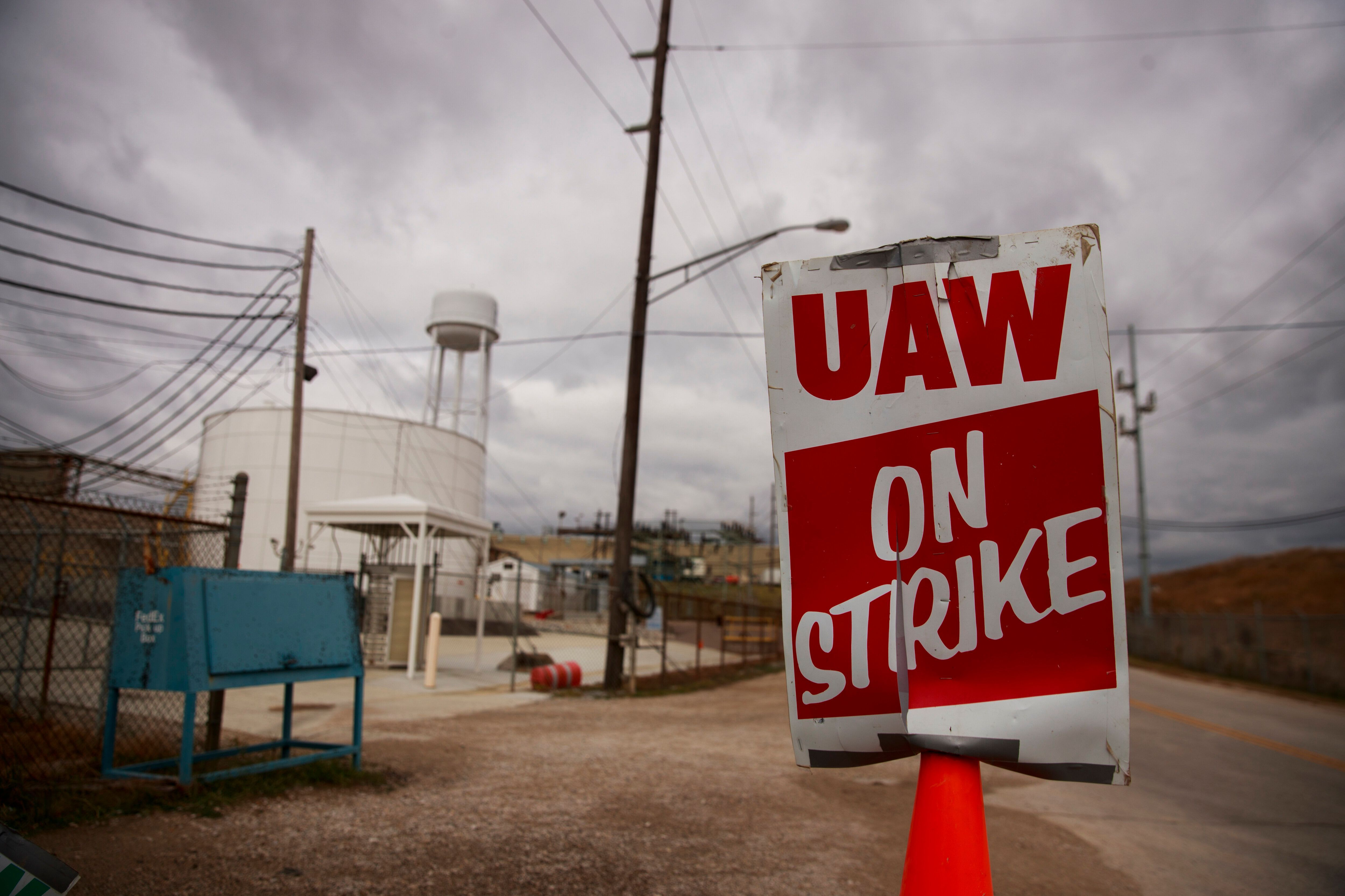 United Auto Workers Member Struck By Car And Killed On GM