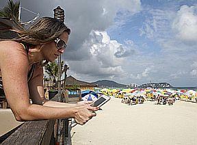 Wi-Fi sulle spiagge Brasiliane  http://www.spotlightonbrazil.com/2012/01/16/wifi-on-the-beaches-of-brazil/#