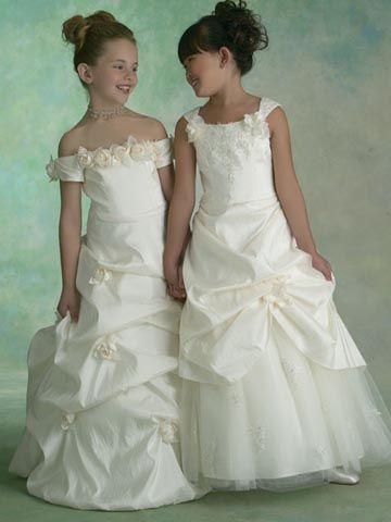 cort ge enfant demetrios kukla robe mariage suite mariagetv filles pinterest mariages. Black Bedroom Furniture Sets. Home Design Ideas