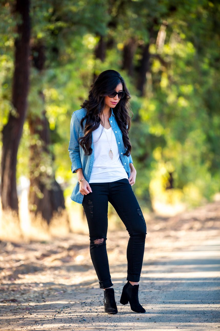 ec374ee74 what to wear with denim shirt - I love this denim shirt outfit! Perfect for  fall and I love the extra outfit ideas for fall!